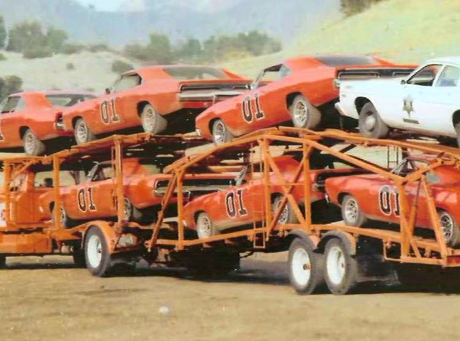 general-lee-cars-on-trailer